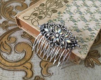 Aurora Borealis Hair Comb.Vintage Style Hair Comb.Crystal Bridal headpiece.Art Neuvo hair accessory.Rhinestone wedding hair piece.Iridescent