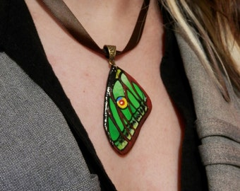SPANISH MOON MOTH wing neckalce. Hand painted butterfly wing. Polymer clay pendant. Fairy wing. Nature. Graellsia isabelae - perfect gift