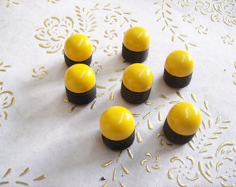 Italy handles and knobs in high quality.knobs of hard plastic, yellow and black  Colour. yellow and black  Knob.  Diameter: mm.20. art.355