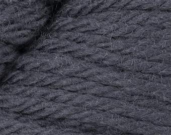 Gris Cascade 220 Yarn 220 yards 100% Peruvian Highland Wool color 9473