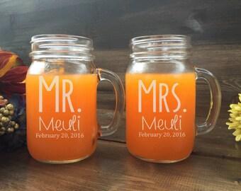 Mr and Mrs Mason Jar Set, custom mason jars, Bride and Groom mason jars, mason jar set, weddings, mason jar, personalized mason jar, rustic