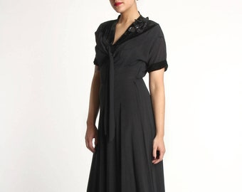 1930s Dress w. Sequin Corsage. Black LBD