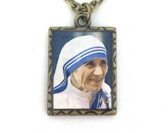 Mother Teresa of Calcutta brass pendant medal necklace