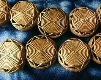 4 beads African brass BB02