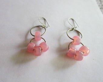 Vintage Retro Pink Art Glass Dangle Pierced Earrings