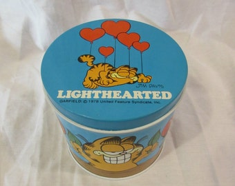 Garfield Tin, Lighthearted, Hearts, Cylinder, United Feature Syndicate, USA, Vintage, 1978