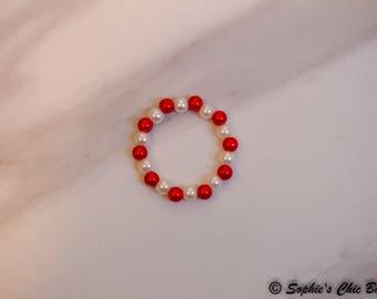 glass pearl bracelet, little girls bracelet, red and white bracelet, valentines bracelet, newborn baby bracelet, newborn photo prop
