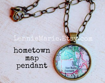 Custom Map Necklace, Map Pendant, Your Location Choice, Your City and State, Map Jewelry, Hometown Pendant Necklace, Map Gift, Map Necklace