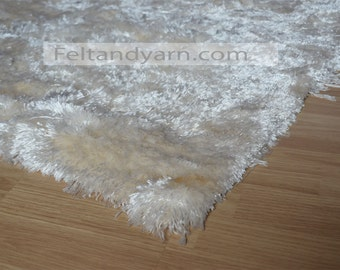 Natural shag rug of Banana Silk Yarn