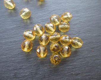 Faceted 10 mm: 10 beads jonquil yellow transparent Bohemian-