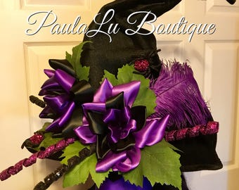 Elegant purple roses witch hat