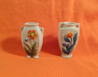 Rare 1940s Occupied Japan Miniature Vases in White Ceramic with Handpainted Flowers
