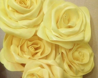 Roses to create floral arrangements at home.