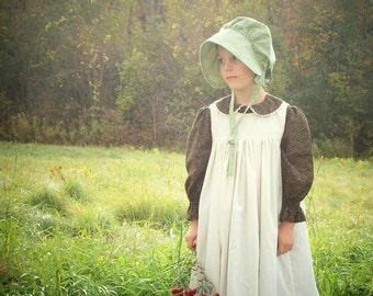 Girls Pioneer Dress with Bonnet and Pinafore size 2-8