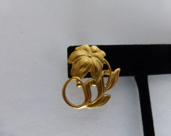 Avon Vintage Flower Pin Brooch Goldtone