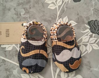 Baby Shoes - Mustache (baby shoes, baby booties, baby mocs, baby shower gift, hipster baby)