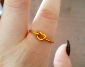 Simple Knot Ring