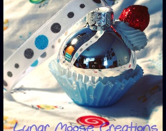 Mini Cupcake Ornament-Winter, Silver