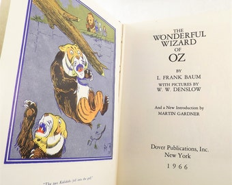 The Wizard of Oz Book, Vintage 1960s Childrens Fairytale Book, 1966 Chicago edition by Frank Baum, Dover Publications