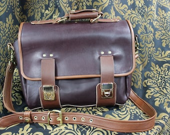 PACKMASTER - Plum Pull-Up Messenger Bag *Limited Edition*