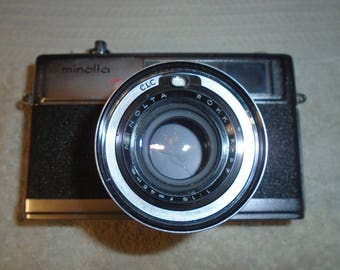 Vintage Minolta Camera. Minolta High Matic 7s. Camera. 35mm camera. 45 mm lens. Minolta. Camera.