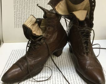 Antique lace up leather boots brown day shoes