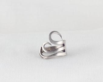 Unique, design fork ring