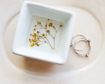 Yellow Flower Ring Dish, Baby's Breath Flowers Bridal Gift, Wedding Dish, Jewelry Storage, Minimalist Ring Storage, Nature Lover Gift