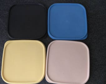 Tupperware Lids 1623 4 Colors  PreOwned in Great Condition