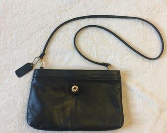 Merveilleux Vintage Cabin Creek Black Purse / Genuine Leather / Gold Hardware / Black  Vintage Purse /