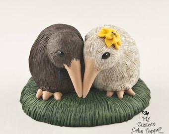 Kiwi Wedding Cake Topper - Realistic Cuddling