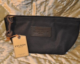 New With Tags Filson Navy Travel Kit--Small No. 11070425