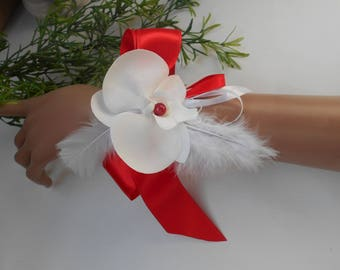 Floral bracelet for bride or lamp - red and white