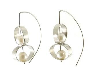 pearl earrings, Double Pearl Dangle Earrings, 925 Silver earrings, drop earrings, silver earrings, modern earrings, dangle earrings, white
