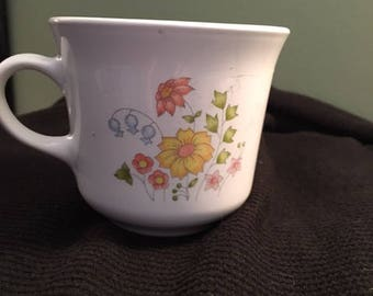 Corning Coffee mugs set of 4 Meadow pattern