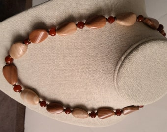 RED JASPER and AGATE Short Stone Necklace with Copper. Rust Red, Burnt Orange, Peach Colored Necklace. Twist Oval Shape Beads. Copper Clasp.