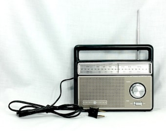 Vintage GE General Electric AM/FM 2 Way Portable Radio 7-2825 Tested and Working