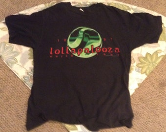 Vintage Lallapalooza world Tour T-Shirt
