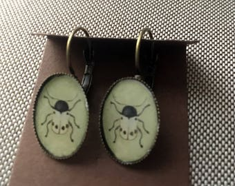 Beetle Earrings-beige