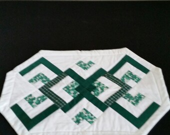 Quilted Green & White  Clover Placemats set of 4