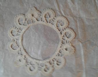 12 cm CANTU lace coasters