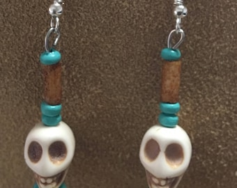 Skull earrings with turquoise