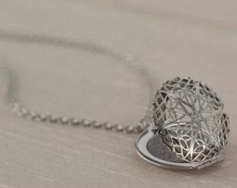 Aromatherapy Necklace, Essential Oil Locket, Stainless Steel Locket, Essential Oil Diffuser Necklace, Aromatherapy Jewelry, Diffuser Locket