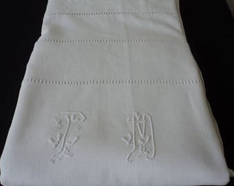 Stunning French Vintage linen embroidered sheet (04834)
