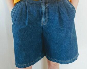 High Waisted Denim Pleated Shorts Vintage Wide Leg Baggy Denim Mom Shorts Streetwear Streetware Dark Wash Liz Wear Size Medium