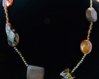Long necklace with faceted natural stones an glass beads - Necklace, N0085