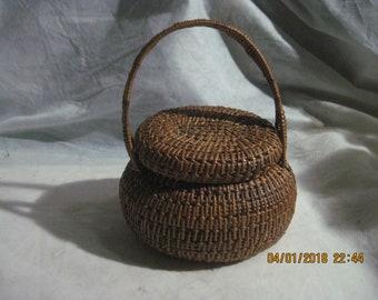Small Vintage Hand Weaved lid Basket