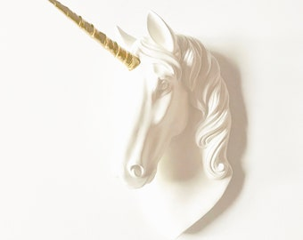 WHITE, GOLD, Large UNICORN Wall Mount, Faux Taxidermy, Fantasy Animal, White Unicorn, Faux Animal Head, Animal Wall Mount, Large Faux Head