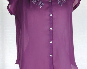Vintage 70's  purple feminine button up lady blouse with white floral embroidery
