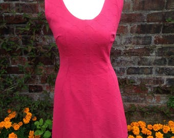 Beautiful vintage 60s shift dress, dark pink, crimplene size 10